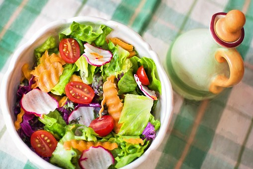 Benefits and side effects of salad.