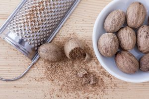 जायफल तेल के फायदे और नुकसान। Benefits And Side Effects of Nutmeg Oil In Hindi