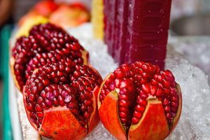 अनार के फायदे और नुकसान। Benefits and Side-Effects of Pomegranate in Hindi